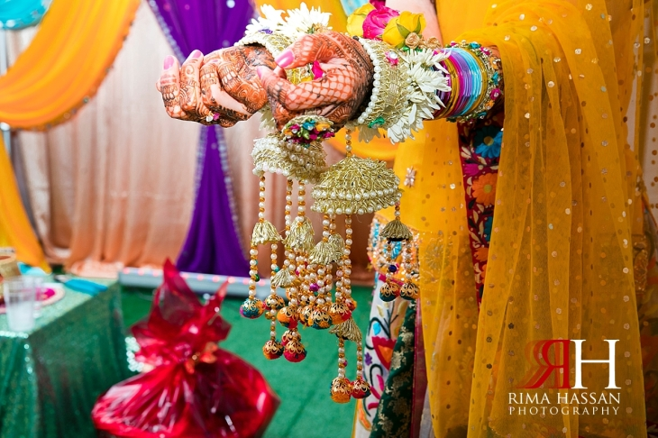 New_York_Henna_Wedding_Female_Dubai_Photographer_Rima_Hassan_bride_hands