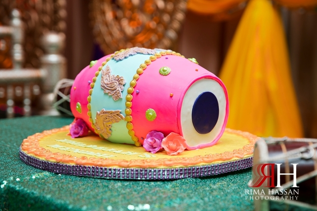 New_York_Henna_Wedding_Female_Dubai_Photographer_Rima_Hassan_stage_dhol_cake