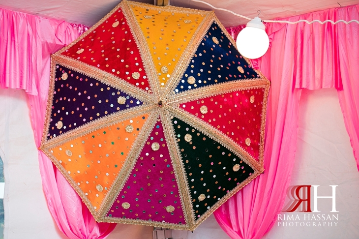 New_York_Henna_Wedding_Female_Dubai_Photographer_Rima_Hassan_stage_umbrella