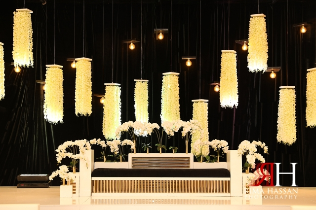 Novotel_Fujairah_Wedding_Female_Photographer_Rima_Hassan_decoration_kosha_stage