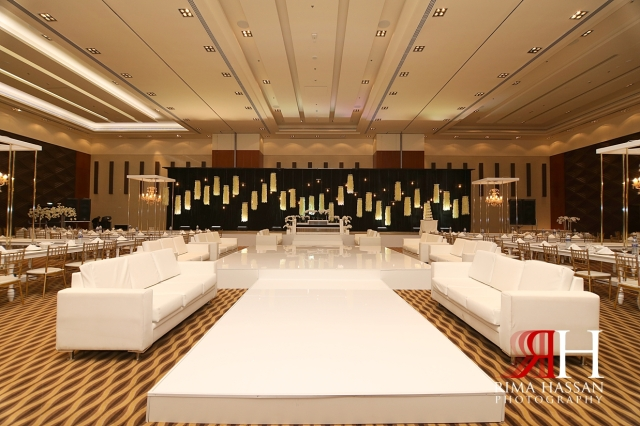 Novotel_Fujairah_Wedding_Female_Photographer_Rima_Hassan_kosha_stage_decoration