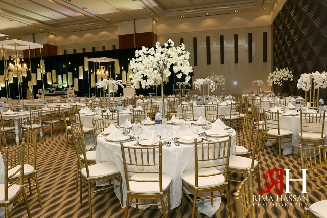 Novotel_Fujairah_Wedding_Female_Photographer_Rima_Hassan_kosha_stage_tables