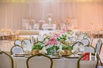 Ajman_Wedding_Female_Photographer_Rima_Hassan_kosha_decoration_stage_centerpiece