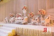 Ajman_Wedding_Female_Photographer_Rima_Hassan_stage_kosha_decoration