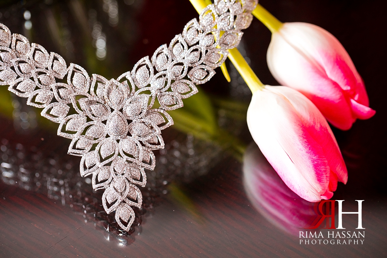Bustan_Rotana_Dubai_Wedding_Female_Photographer_Rima_Hassan_Bride_jewelry_necklace