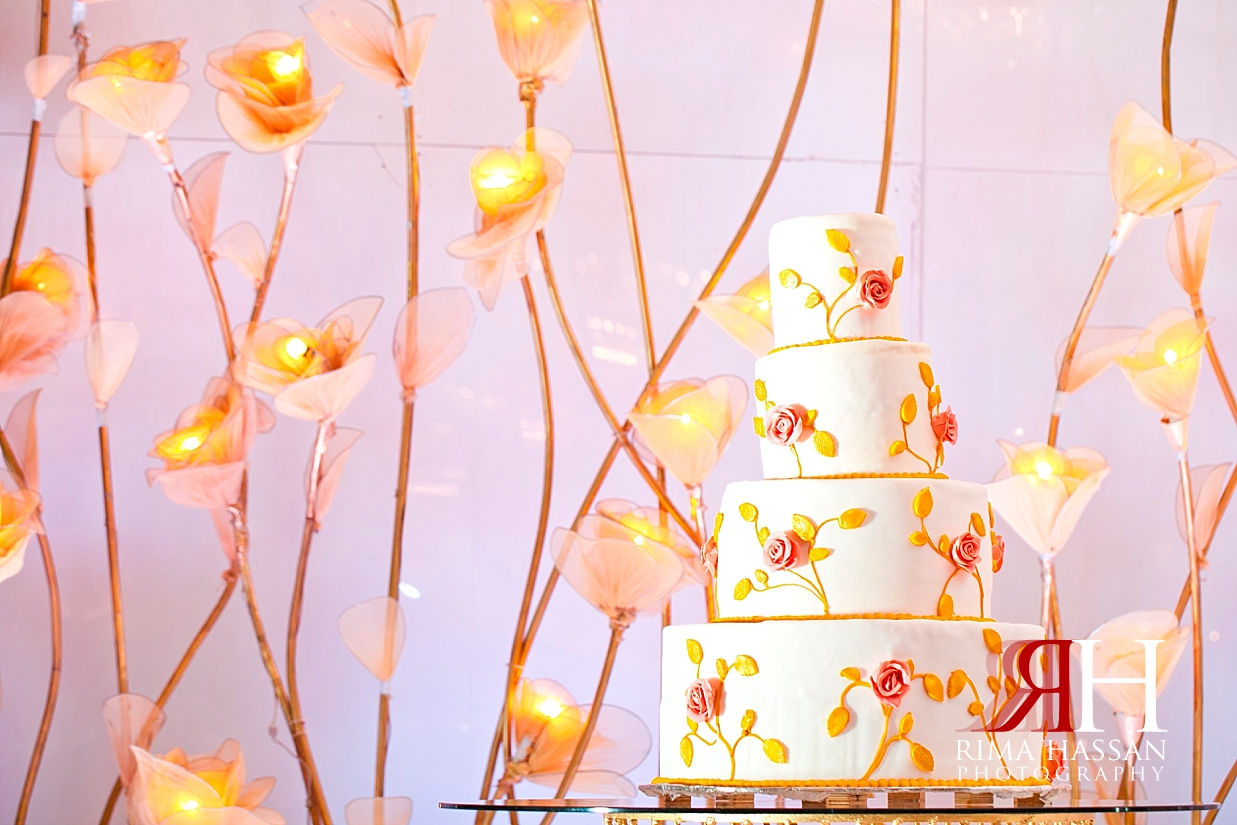 Bustan_Rotana_Dubai_Wedding_Female_Photographer_Rima_Hassan_stage_kosha_decoration_cake