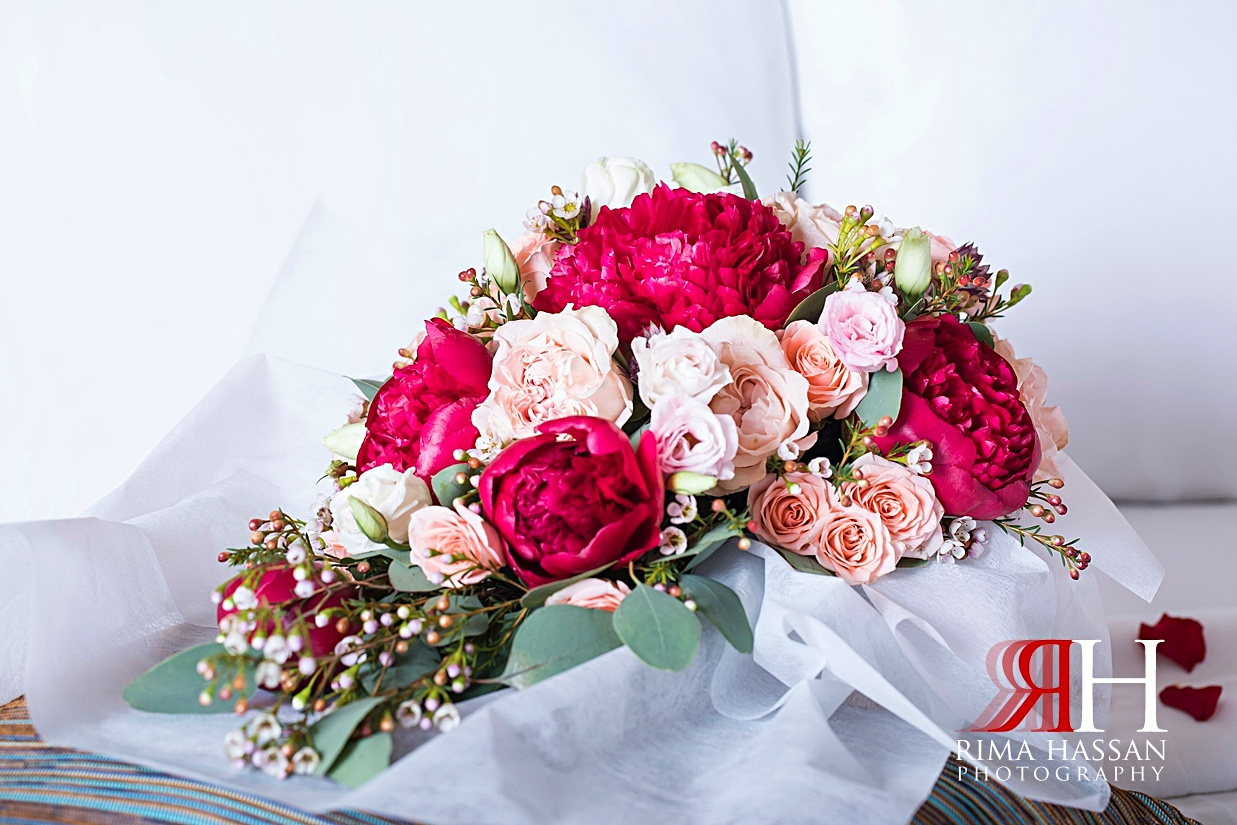 Marriott_Jaddaf_Wedding_Female_Dubai_Photographer_Rima_Hassan_bride_bouquet_flower_boutique