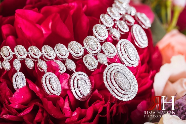 Marriott_Jaddaf_Wedding_Female_Dubai_Photographer_Rima_Hassan_bride_jewelry_necklace