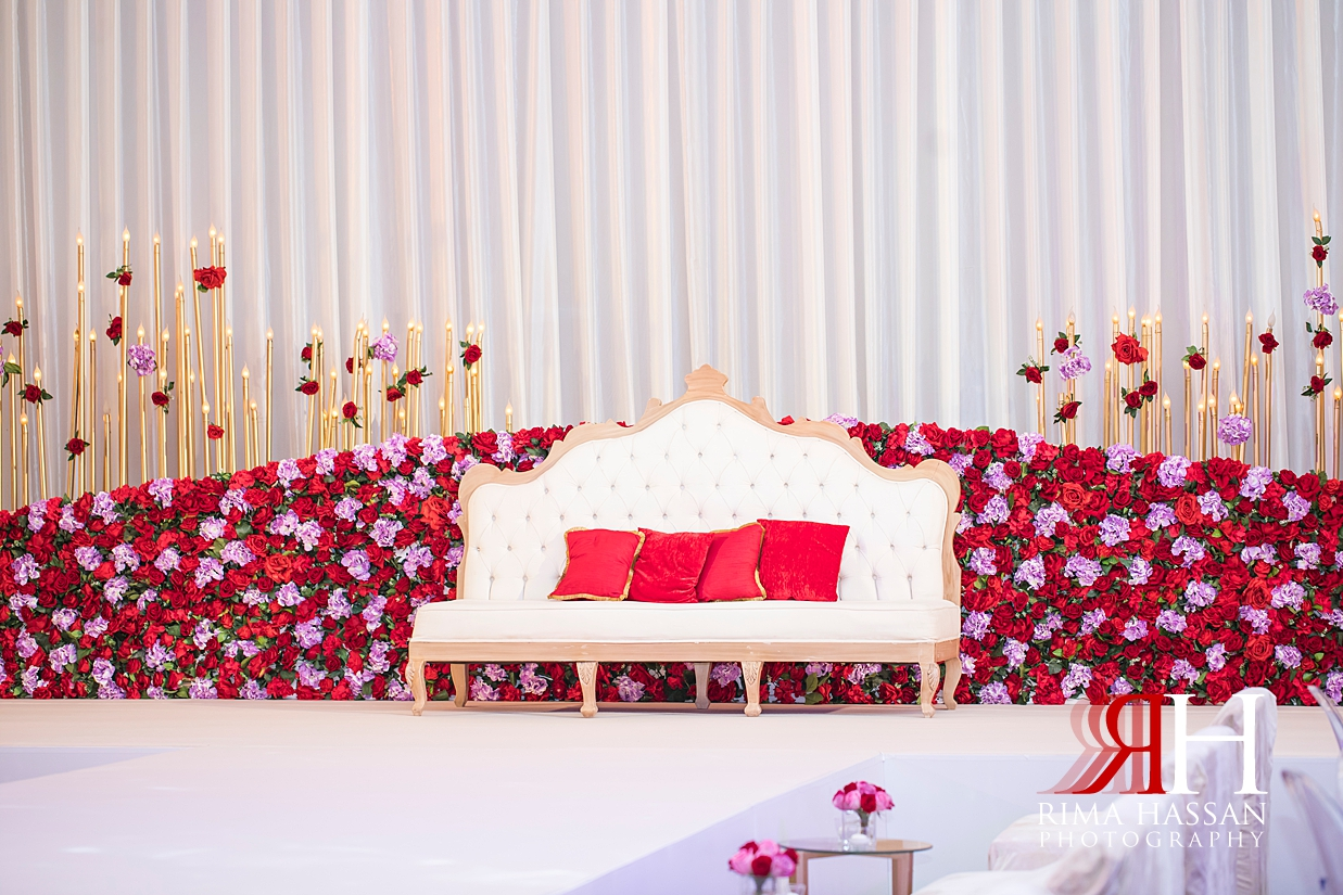 Marriott_Jaddaf_Wedding_Female_Dubai_Photographer_Rima_Hassan_stage_kosha_decoration_flower_boutique