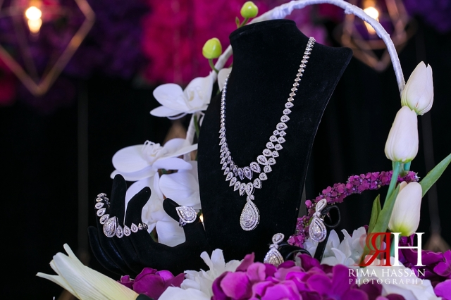 Sharjah_Engagement_Female_Photographer_Rima_Hassan_stage_kosha_decoration_jewelry_details