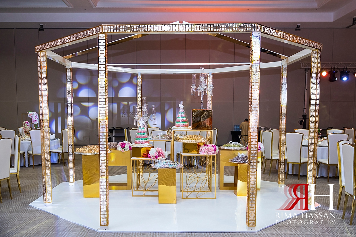 Jawaher_Sharjah_Wedding_Female_Photographer_Rima_Hassan_stage_decoration_kosha_dessert_table