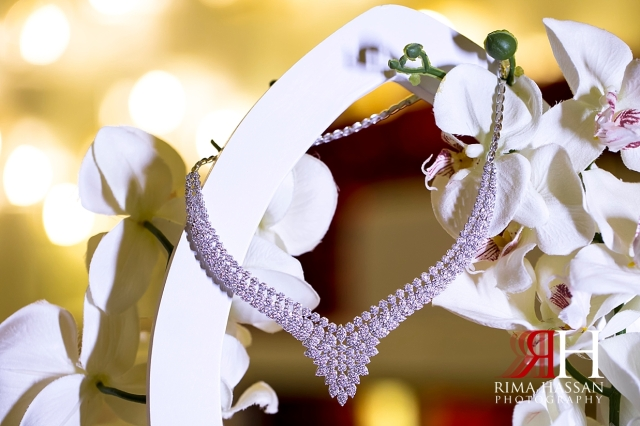 Barsha_Hall_Wedding_Dubai_Female_Photographer_Rima_Hassan_bride_jewelry_necklace