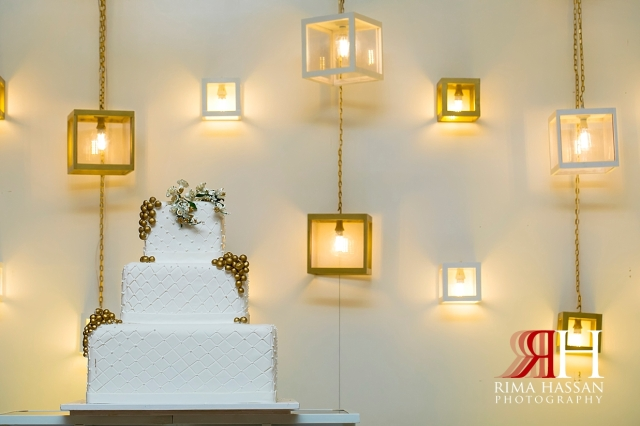 Barsha_Hall_Wedding_Dubai_Female_Photographer_Rima_Hassan_kosha_stage_decoration_cake