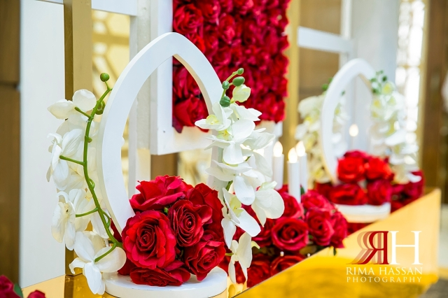 Barsha_Hall_Wedding_Dubai_Female_Photographer_Rima_Hassan_kosha_stage_decoration_centerpiece