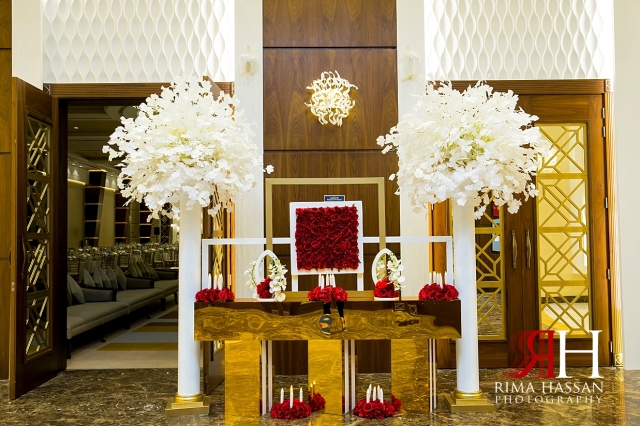 Barsha_Hall_Wedding_Dubai_Female_Photographer_Rima_Hassan_kosha_stage_decoration_entrance