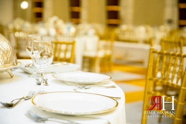 Barsha_Hall_Wedding_Dubai_Female_Photographer_Rima_Hassan_kosha_stage_decoration_table_plates