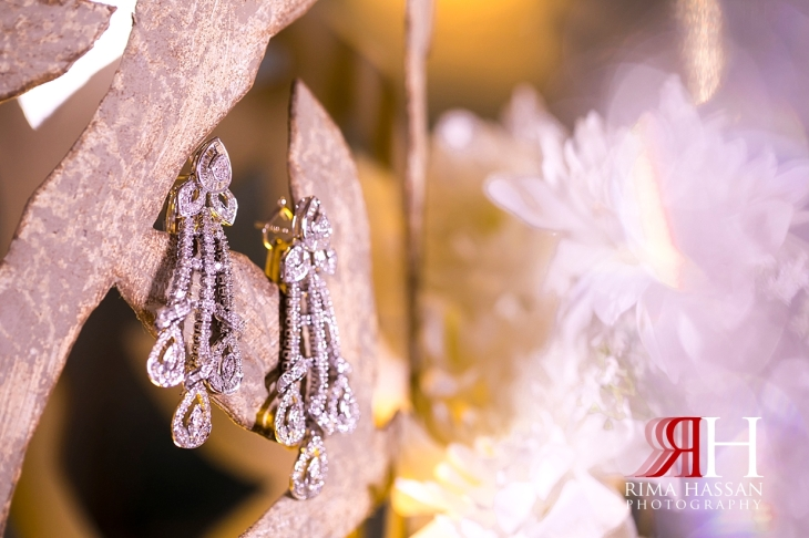 Crown_Plaza_Wedding_Dubai_Female_Photographer_Rima_Hassan_bride_jewelry_earrings