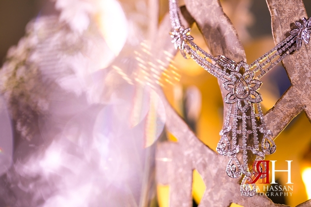 Crown_Plaza_Wedding_Dubai_Female_Photographer_Rima_Hassan_bride_jewelry_necklace