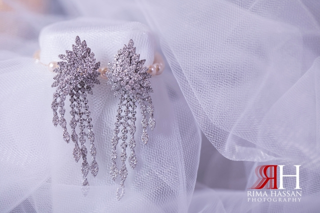 Mina_Salam_Wedding_Dubai_Female_Photographer_Rima_Hassan_bride_jewelry_earring