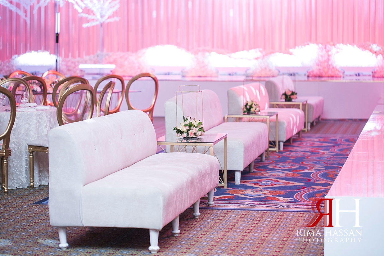 Mina_Salam_Wedding_Dubai_Female_Photographer_Rima_Hassan_stage_kosha_decoration_guest_sofa