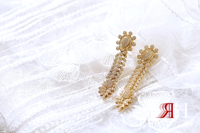 Mushrif_Abu-Dhabi_Wedding_Female_Photographer_Dubai_Rima_Hassan_bride_jewelry_earrings