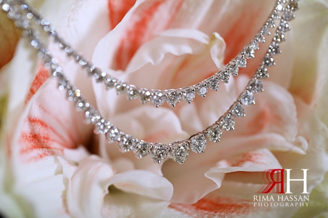 Sharjah_Engagemtn_Female_Photographer_Dubai_Rima_Hassan_bride_jewelry_necklace