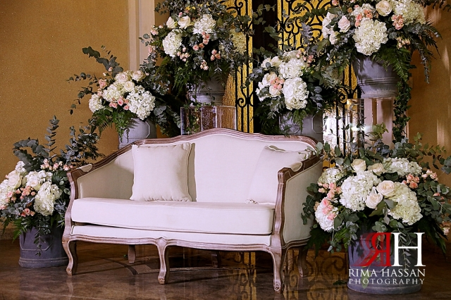 Sharjah_Engagemtn_Female_Photographer_Dubai_Rima_Hassan_kosha_stage_decoration_sofa