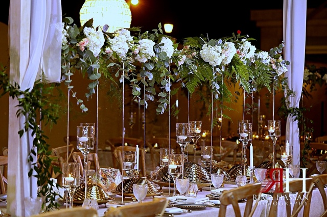 Sharjah_Engagemtn_Female_Photographer_Dubai_Rima_Hassan_kosha_stage_decoration_table_candles
