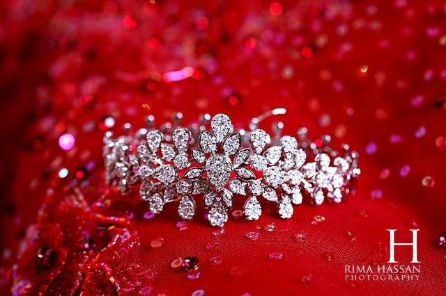 Sharjah_Royal_Engagement_Female_Photographer_Dubai_Rima_Hassan_bride_jewelry_bracelet