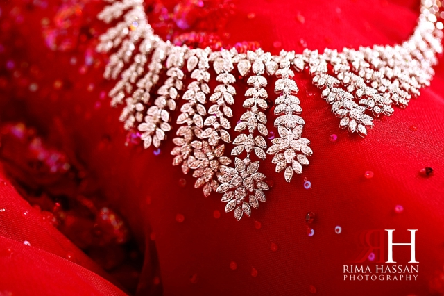 Sharjah_Royal_Engagement_Female_Photographer_Dubai_Rima_Hassan_bride_jewelry_necklace