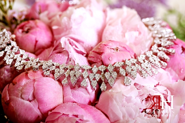 Barsha_Wedding_Female_Photographer_Dubai_Rima_Hassan_bride_jewelry_necklace