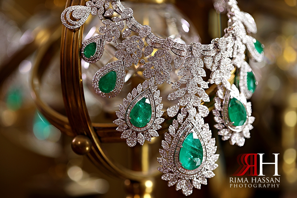Grand_Hyatt_Wedding_Female_Photographer_Dubai_Rima_Hassan_bride_jewelry_necklace
