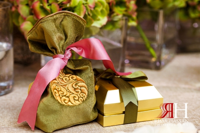Grand_Hyatt_Wedding_Female_Photographer_Dubai_Rima_Hassan_kosha_stage_decoration_party_favors
