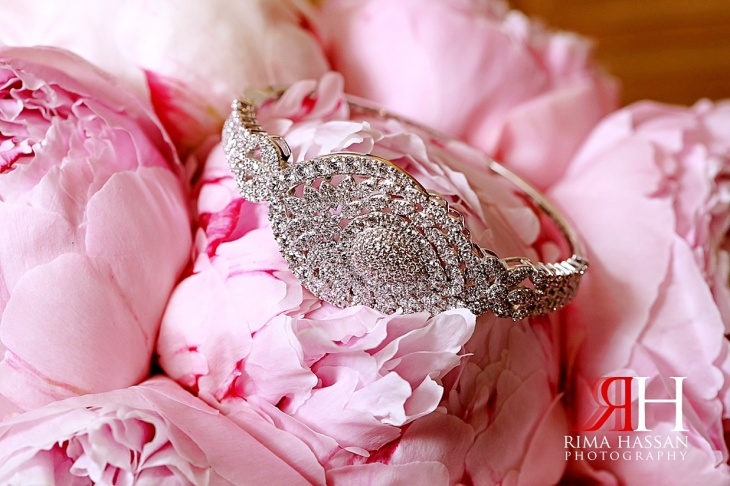 Intercontinental_Abu_Dhabi_Wedding_Female_Photographer_Dubai_Rima_Hassan_bride_jewelry_bracelet