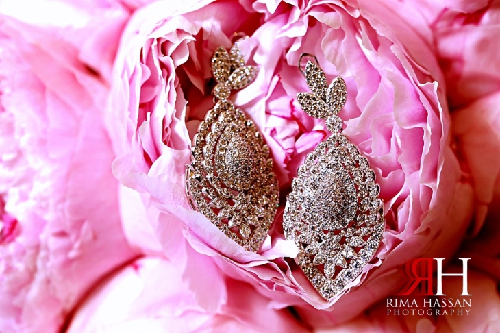 Intercontinental_Abu_Dhabi_Wedding_Female_Photographer_Dubai_Rima_Hassan_bride_jewelry_earrings