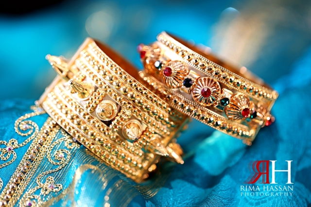Jawaher_Sharjah_Henna_Female_Photographer_Dubai_Rima_Hassan_bride_jewelry_gold_bracelet