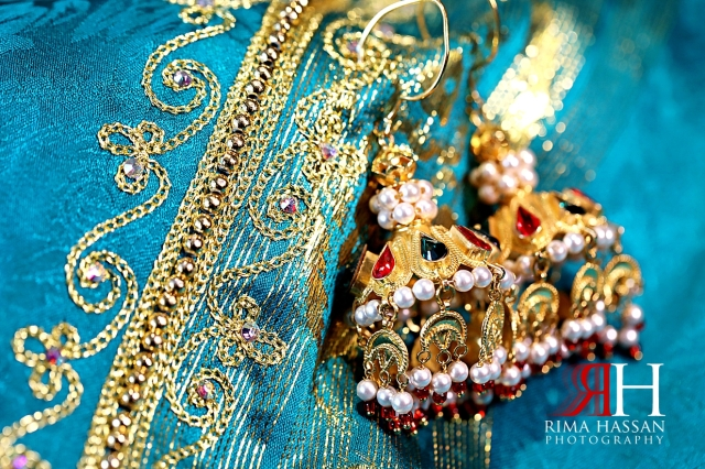 Jawaher_Sharjah_Henna_Female_Photographer_Dubai_Rima_Hassan_bride_jewelry_gold_earrings
