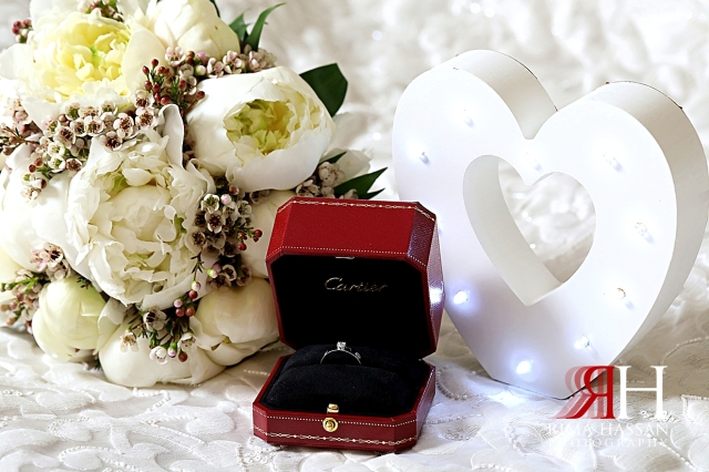 Ajman_Wedding_Female_Photographer_Dubai_Rima_Hassan_heart_ring_flowers
