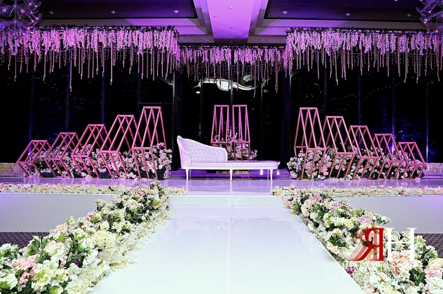 Aloft_Abu_Dhabi_Wedding_Female_Photographer_Dubai_Rima_Hassan_kosha_stage_decoration