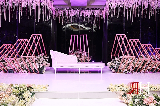 Aloft_Abu_Dhabi_Wedding_Female_Photographer_Dubai_Rima_Hassan_kosha_stage_decoration_sofa