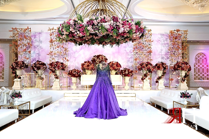 Sheraton_Sharjah_Engagement_Female_Photographer_Dubai_Rima_Hassan_kosha_stage_decoration_bride_dress