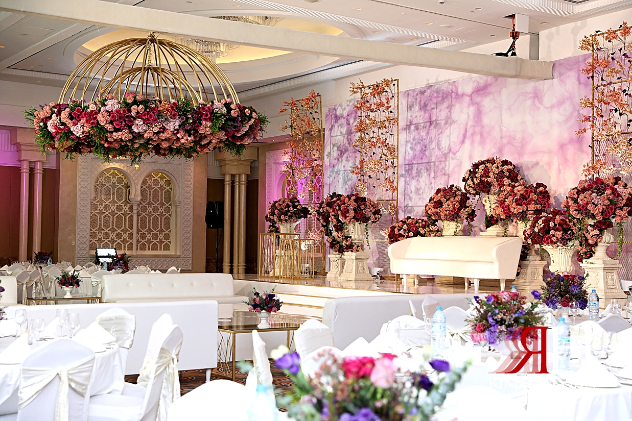 Sheraton_Sharjah_Engagement_Female_Photographer_Dubai_Rima_Hassan_kosha_stage_Dream_decoration