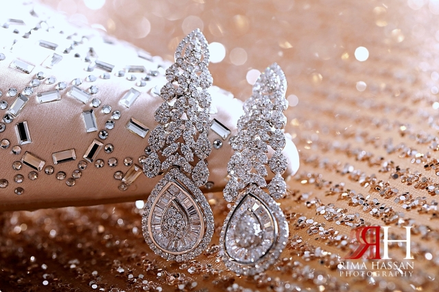 Metropolitan_Dubai_Engagement_Female_Photographer_Dubai_Rima_Hassan_bride_jewelry_earrings