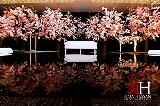 Metropolitan_Dubai_Engagement_Female_Photographer_Dubai_Rima_Hassan_kosha_decoration_stage