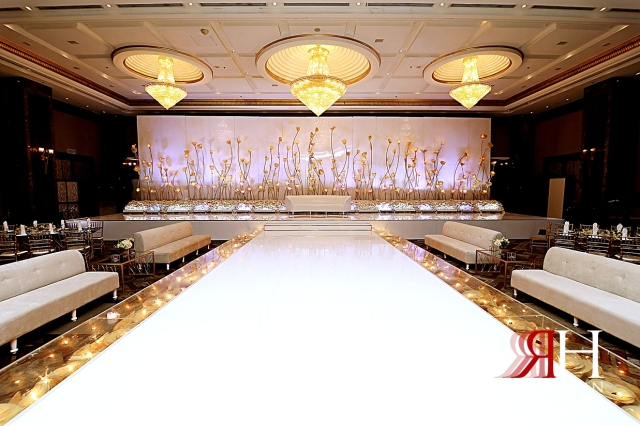 Rotana_Beach_Abu_Dhabi_Female_Photographer_Dubai_Rima_Hassan_dream_kosha_stage_decoration