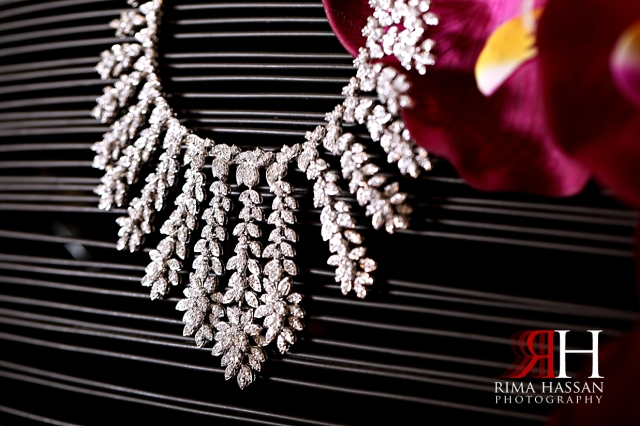 Jawaher_Sharjah_Wedding_Photographer_Dubai_Rima_Hassan_bride_jewelry_necklace