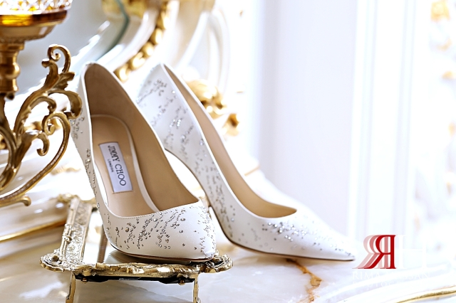 Grand_Hyatt_Dubai_Wedding_Female_Photographer_Rima_Hassan_bride_shoes_Jimmy_Choo