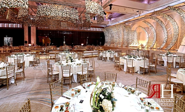Grand_Hyatt_Dubai_Wedding_Female_Photographer_Rima_Hassan_kosha_stage_decoration_ballroom_dream