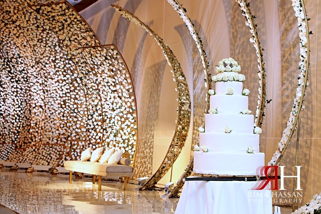 Grand_Hyatt_Dubai_Wedding_Female_Photographer_Rima_Hassan_stage_decoration_cake