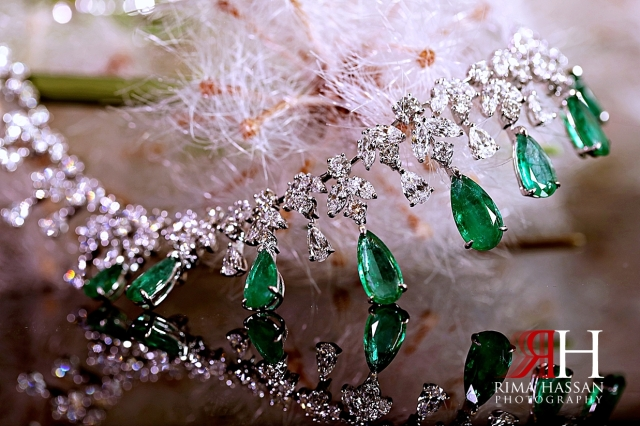 Al_Jawaher_Sharjah_Wedding_Female_Photographer_Rima_Hassan_bride_jewelry_necklace